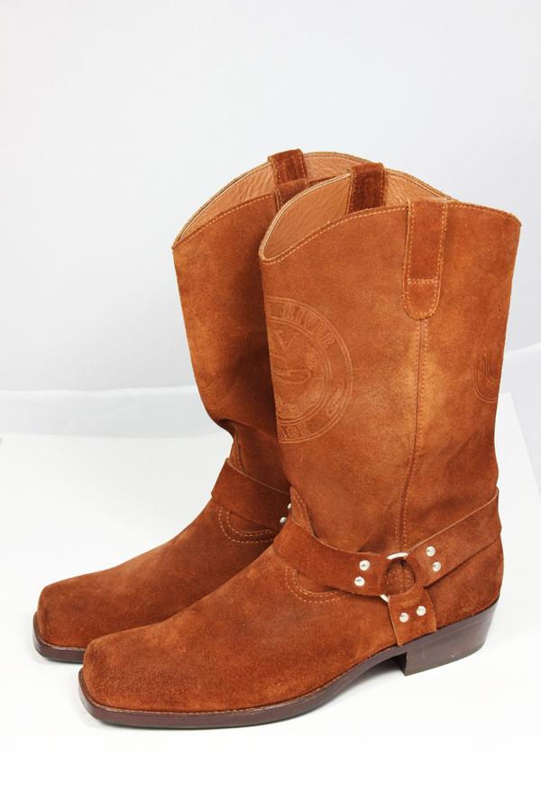 Kavbojski škornji postrani